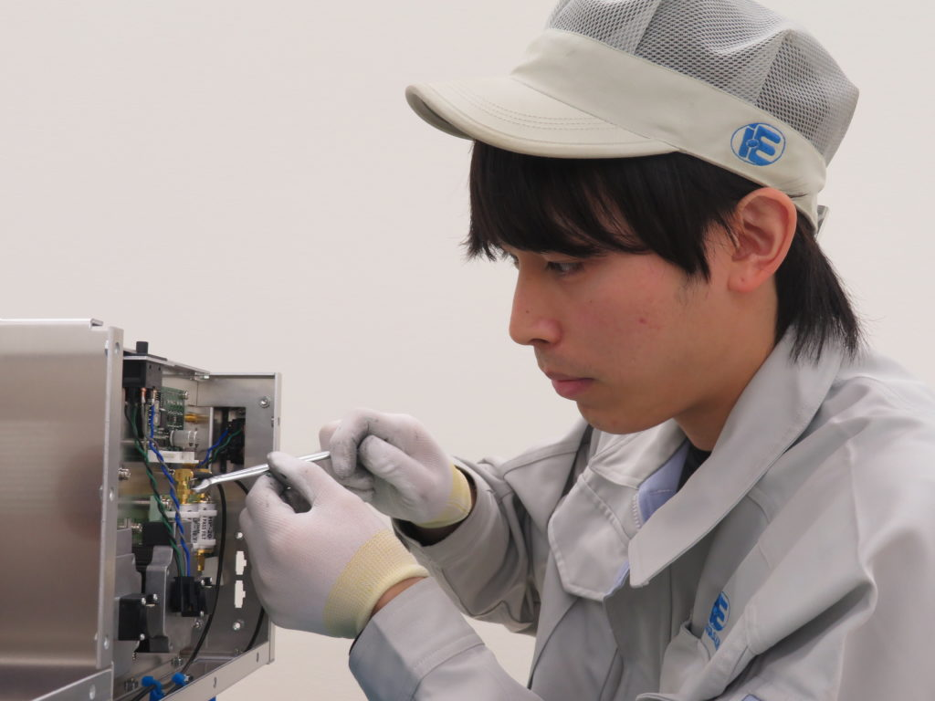 株式会社 岩崎電機製作所